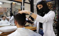Fatmagül, kadın kuaförlüğünü bırakıp erkek berberi oldu