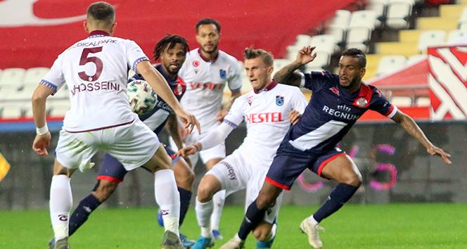 Trabzonspor, Antalyaspor karşısında 1 puanı uzatmalarda kurtardı