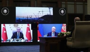 Cumhurbaşkanı Erdoğan ile Putin'den, Akkuyu'da temel atma töreninde gülümseten anlar