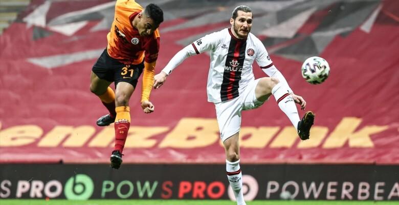 Galatasaray evinde Karagümrük ile berabere kaldı