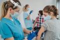 Kanada'dan 12-15 yaş arası çocuklarda koronavirüs aşısına onay