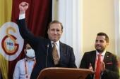 Galatasaray'ın 38. başkanı Burak Elmas oldu! Eşref Hamamcıoğlu son sandıkta kaybetti