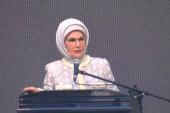 Emine Erdoğan: Dünyada her 9 kişiden biri açlıkla mücadele ediyor