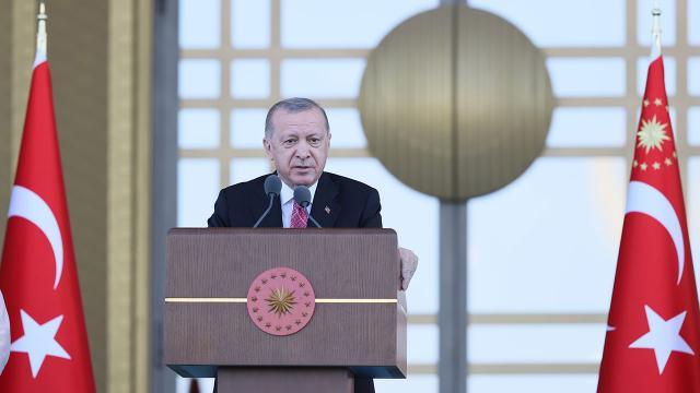 Erdoğan: 15 Temmuz'da Türkiye'nin geçilmez olduğu bir kez daha görülmüştür