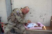 MSB, Afganistan'daki Türk askerlerinin çocuklara yardım ettiği anları paylaştı